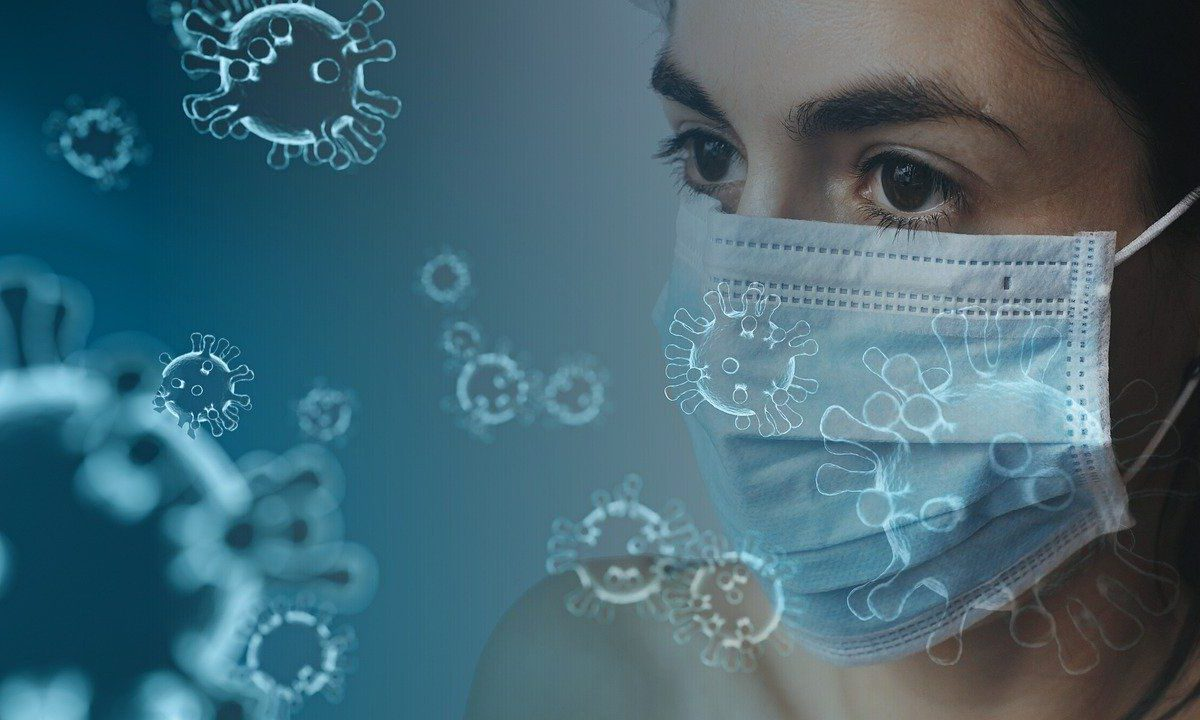 Antiviral antibacterial reusable dace mask that can be disinfected by the sun